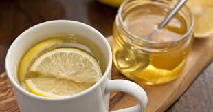 Woda z miodem i cytryną